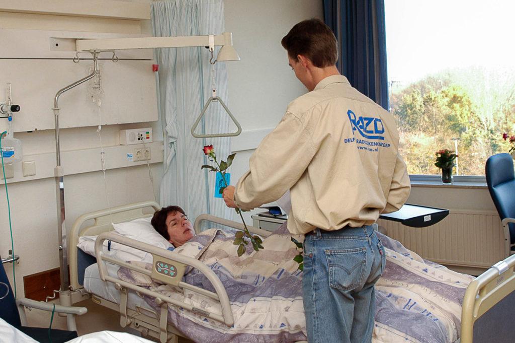 Foto van ziekenbezoek RAZO Delft