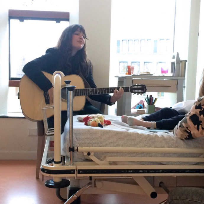 Laura Bedside Buskers
